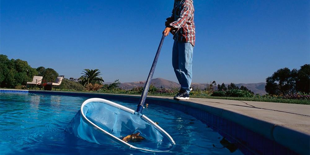 Mantenimiento de piscinas en tarragona piscina plus e24m for Piscinas plastico duro