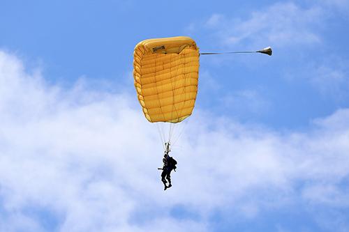 tandem-jump-5276216_1280
