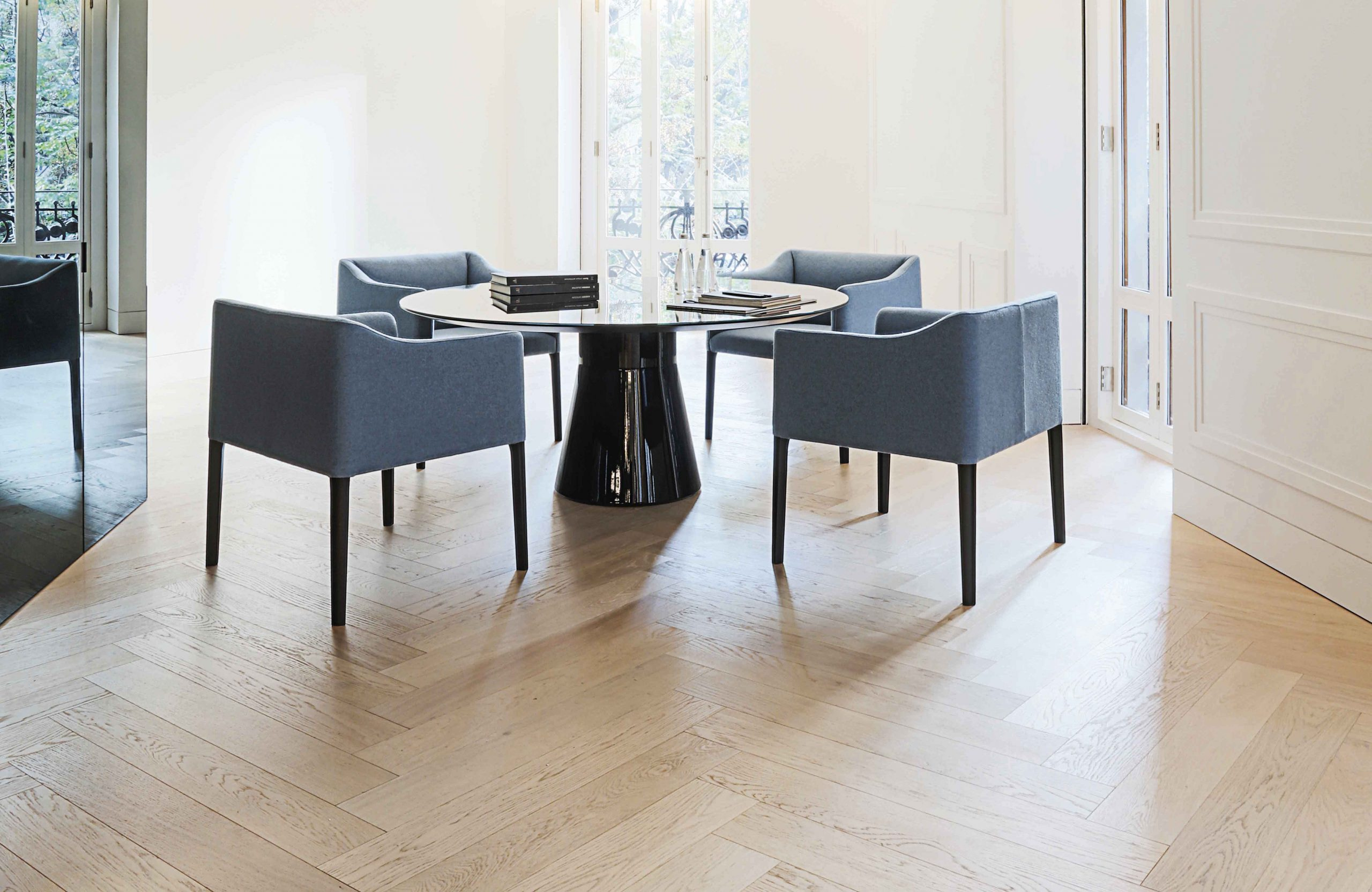 couve-chair-andreu-world-1-scaled